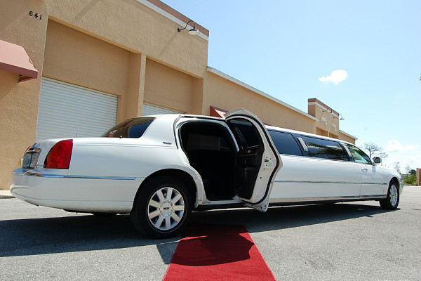 Lincoln Stretch Limo Ontario